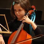 Concert Chateau 2011 - ensemble des violoncelles - les petits